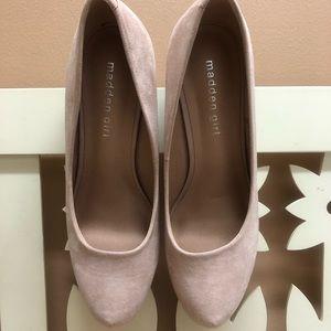 NWT Steve Madden blush heels